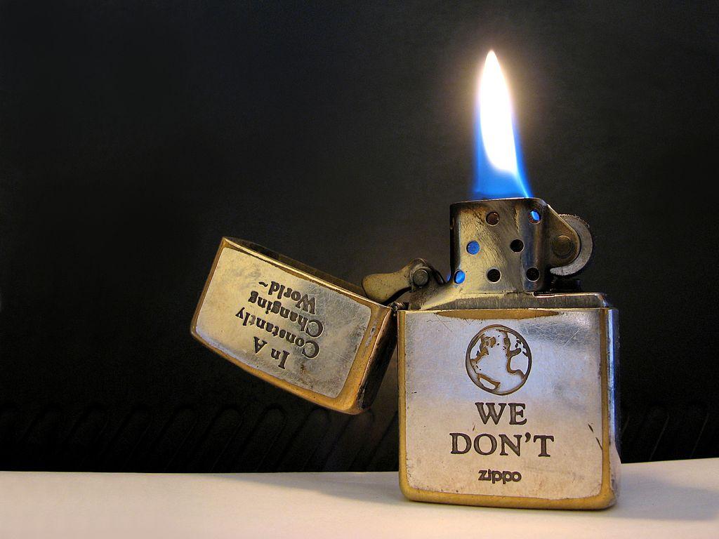 Ngọn lửa rất khó dập tắt của bật lửa ZiPPO