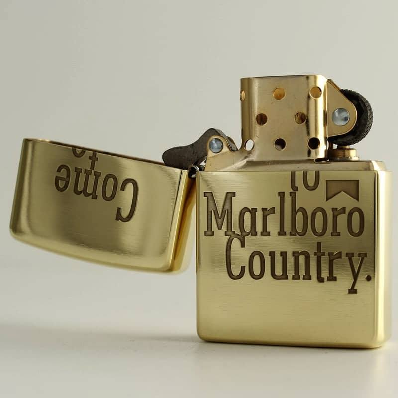 Chiếc bật lửa ZiPPO hiệu Marlboro