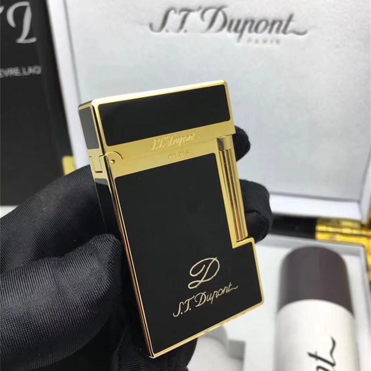 Sắc đen – vàng độc đáo phối hợp tạo nên mẫu bật lửa được yêu thích nhất