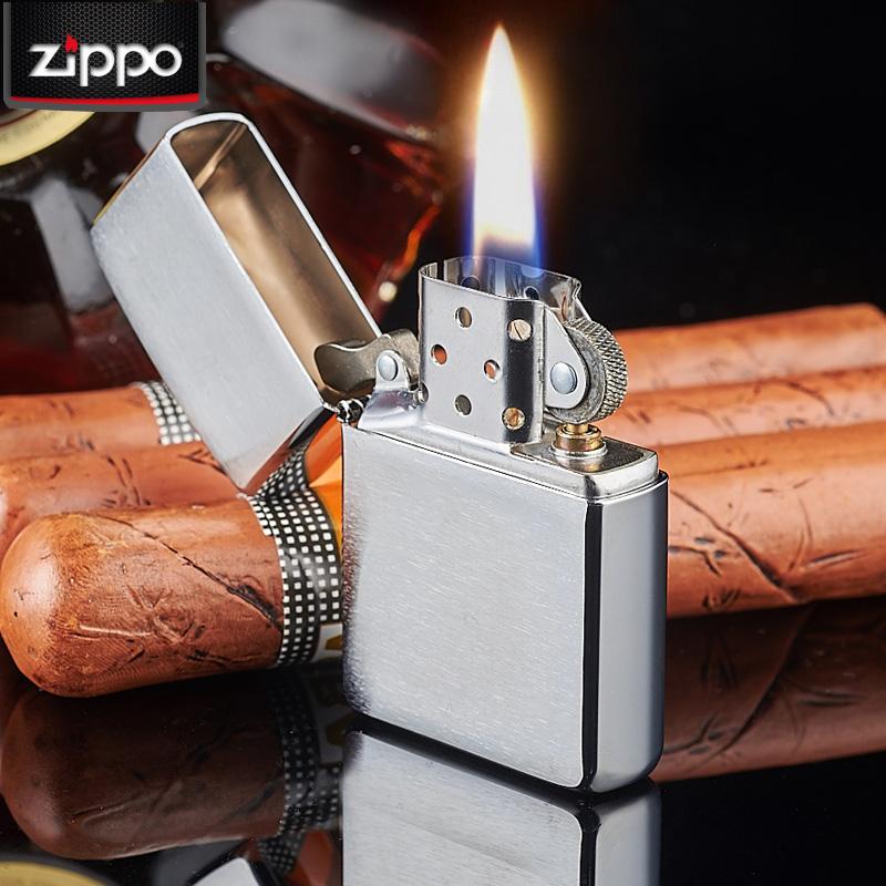 Một chiếc ZiPPO có thể duy trì ngọn lửa kéo dài 12 phút liên tục