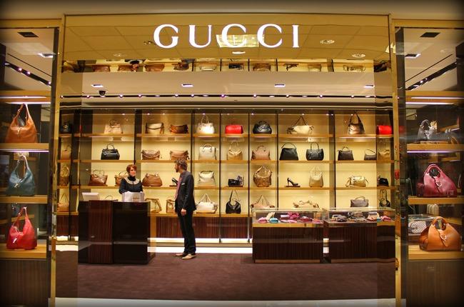 Cửa hàng Gucci luôn có mặt tại những con phố sầm uất nhất của đô thị