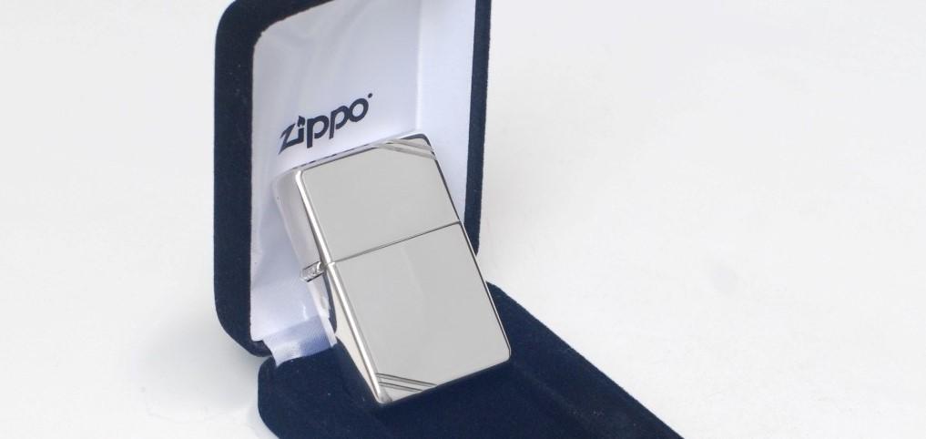 Đánh giá chất lượng bật lửa Zippo bằng bạc chính hãng có tốt không?