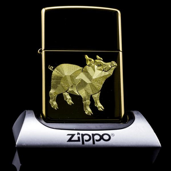 Bật lửa ZiPPO heo cho chủ nhân tuổi Hợi